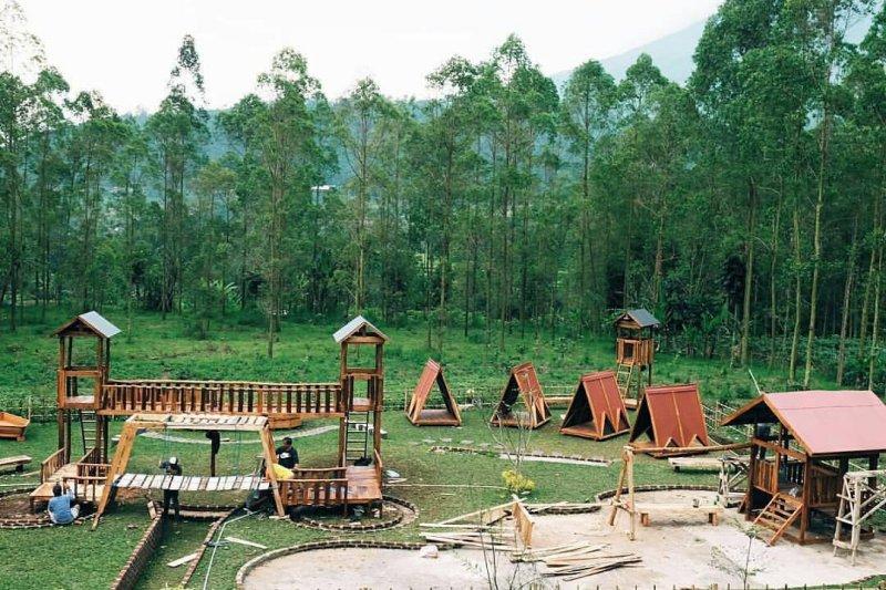 Penikmat Kopi pasti Betah, Tempat Nongkrong Baru Taman Kopi Cisurupan